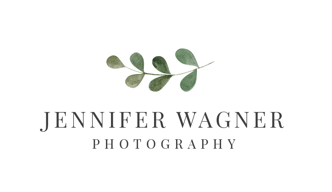 Jennifer Wagner Photography St. Louis Missouri logo